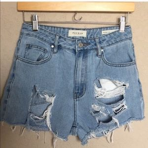 PacSun distressed Mom jeans shorts size 26